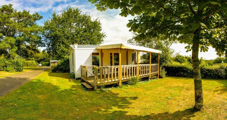 Vue d'une location de Mobil Home au camping à Lorient Ty Nenez