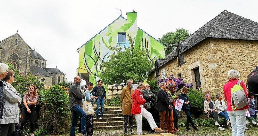 Ty Nenez : personnes à l'art chemin à Pont Scorff