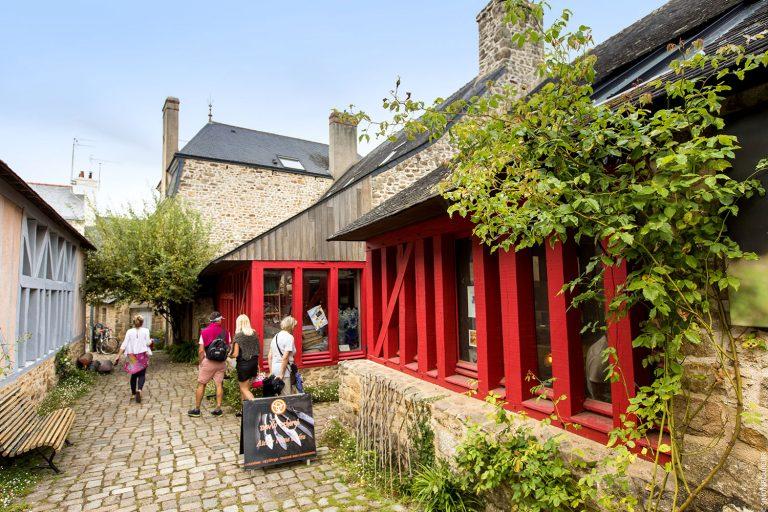 Ty Nenez : vue de la Galerie Rue Piétonne de Pont Scorff